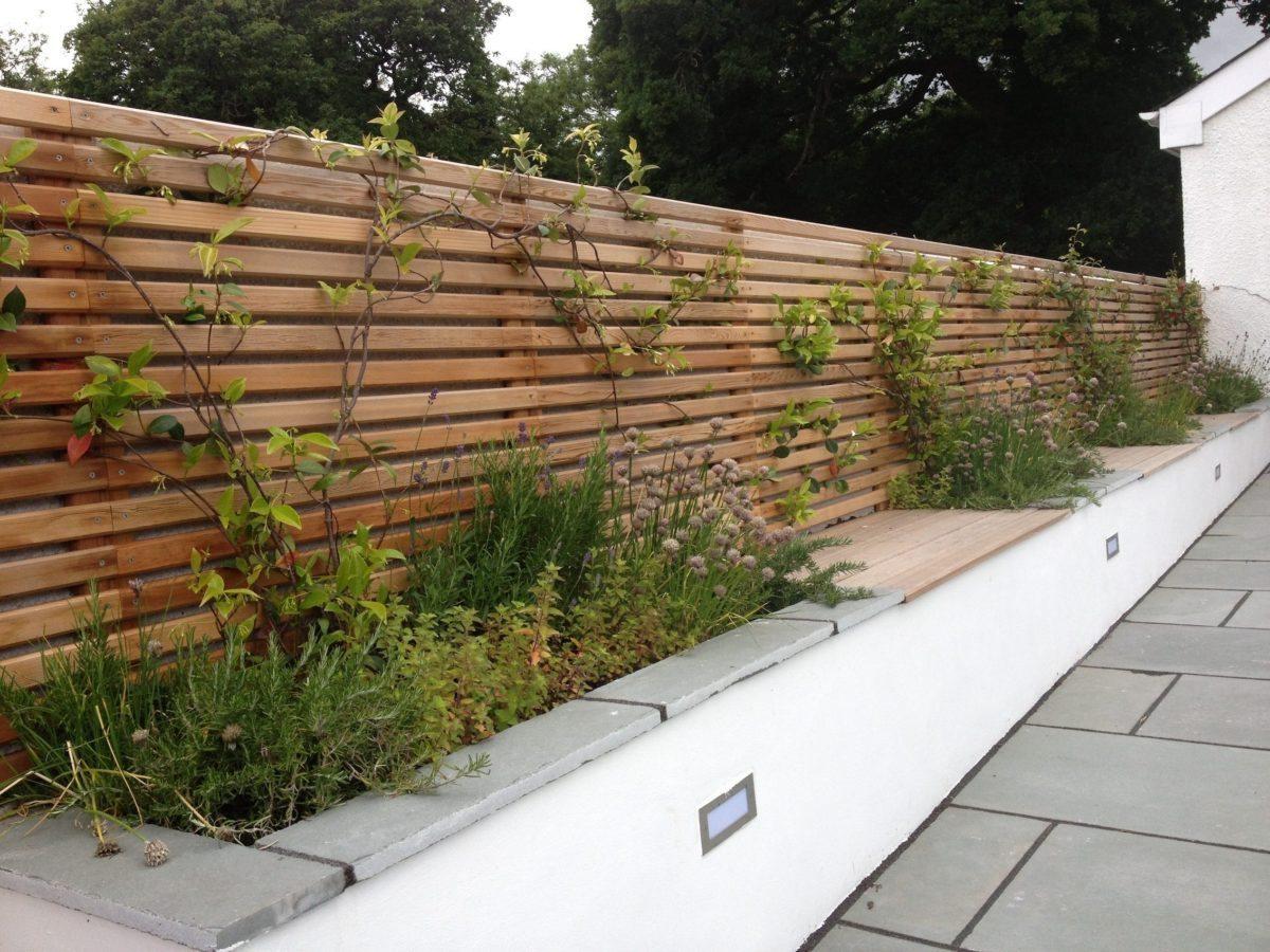 Garden design Wales horizontal hardwood trellis